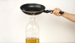 ¿Cómo y dónde tirar el aceite usado?